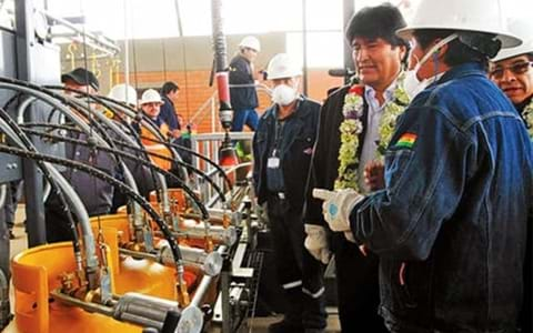 President inaugurates Bolivias new high-speed filling plant